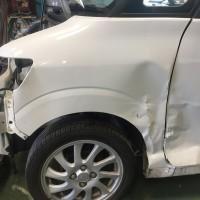 タントカスタム フェンダーの損傷状況