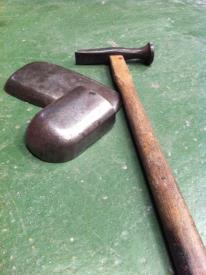 板金工具 ハンマーと当て板